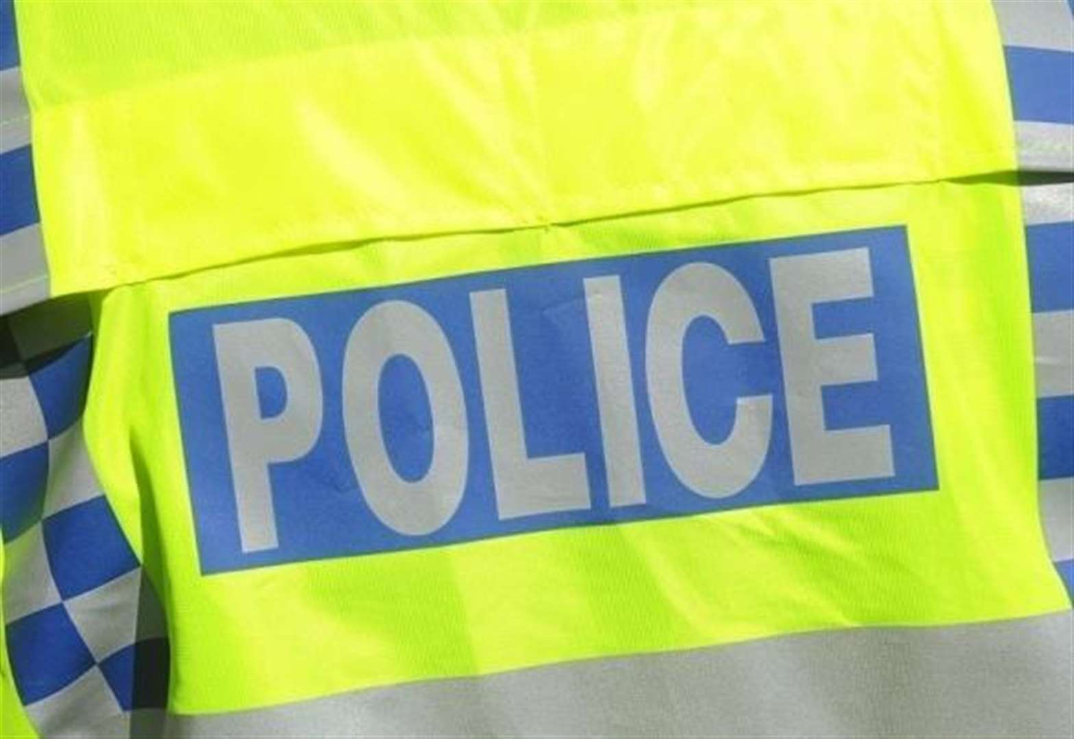 Man threatens staff at Hopton shop with a knife and steals cash