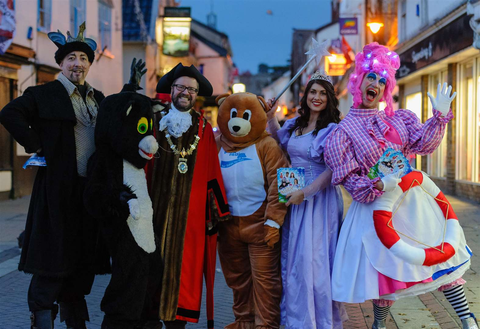 More than 2,000 attend Diss Christmas lights switch-on