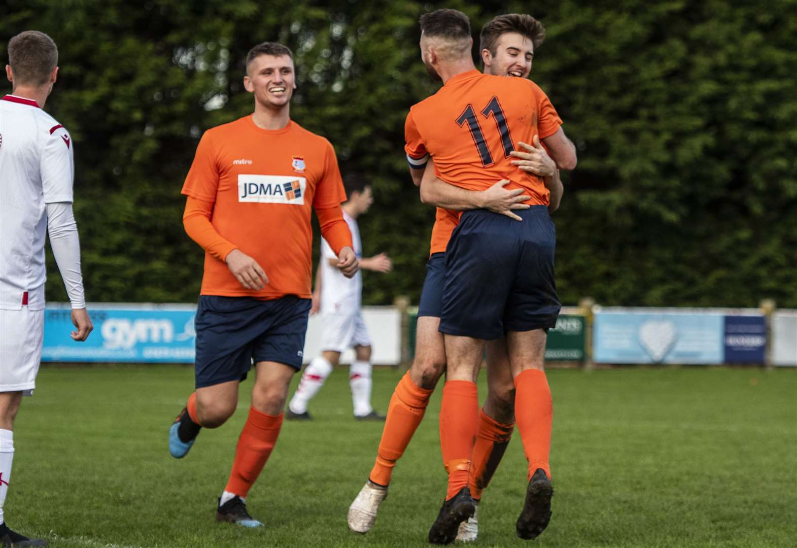 Diss return to winning ways