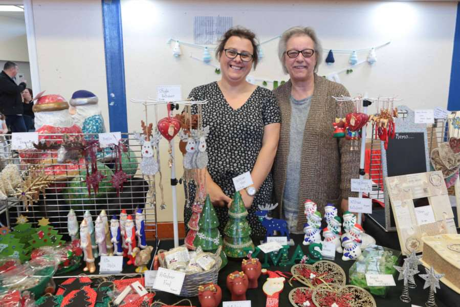 MDEP-26-11-2016-0101 Stradbroke High School Xmas Craft Fair stall holders Claire Southwell and Susan Davis ANL-161128-101217005