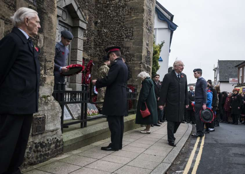 Remembrance Sunday at Diss. ANL-150811-222956005