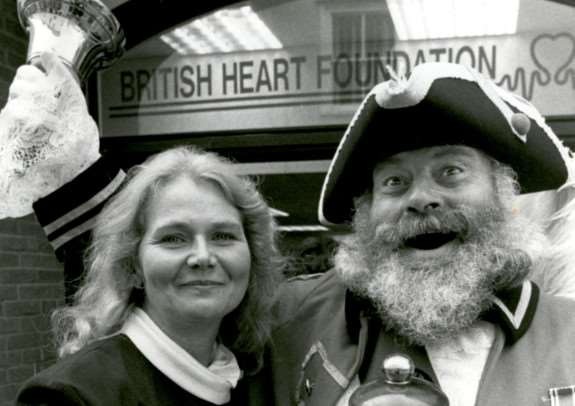 ML - BHF opening. The British Heart Foundation opening of it's Diss shop by Manageress Jackie Dring and David Bullock, 8th Sep 95.
