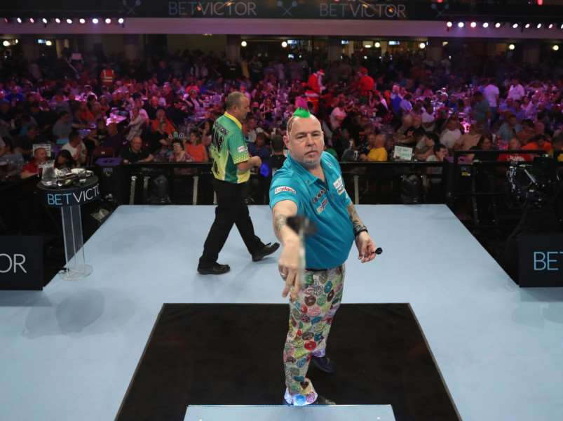 Peter Wright in action in Thursday's quarter-final Picture: Lawrence Lustig/PDC