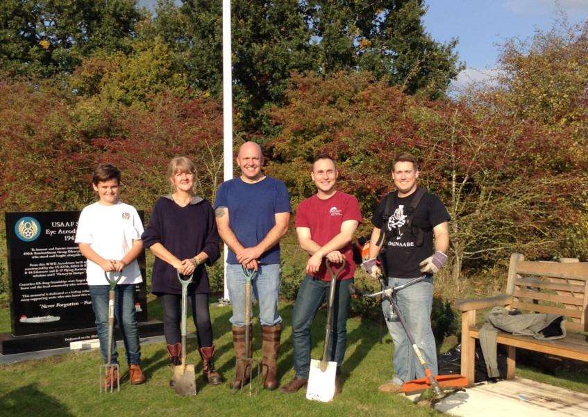 Serving aiirmen from the airbases in Suffolk lead by Staff Sergeant Scott Weeks , as before, assisted by two local volunteers prepare the new Memorial Park in Progress Way in Eye for the upcoming Remembrance Celebrations on 13th November at 4pm. ANL-160211-103034001