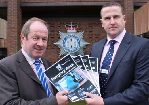 Suffolk Police & Crime Commissioner Tim Passmore and DCI Bernie Morgan launching the new packs. ENGANL00120131119113048