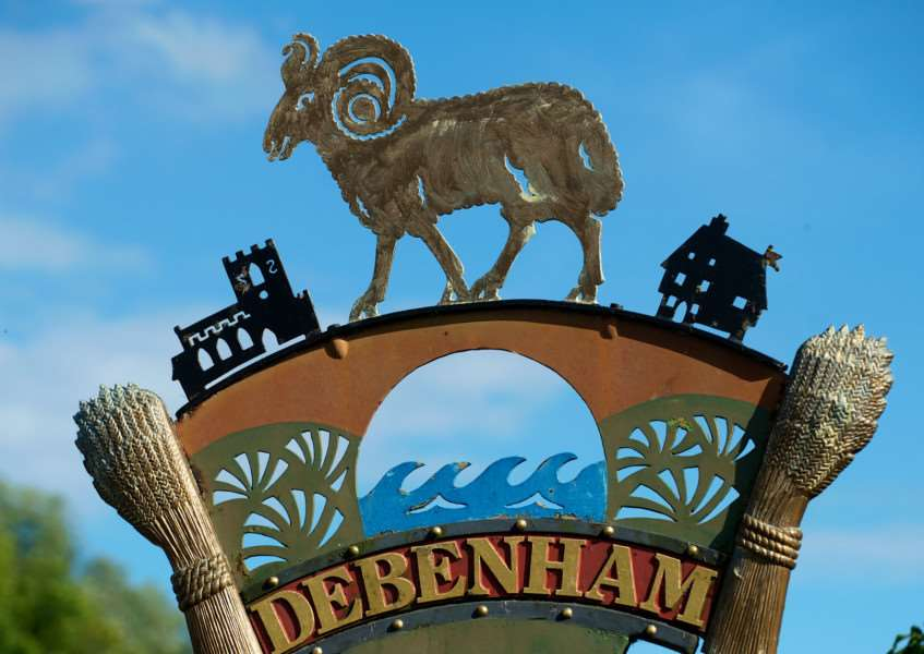 VILLAGE SIGN - DEBENHAM ENGANL00120121029155240