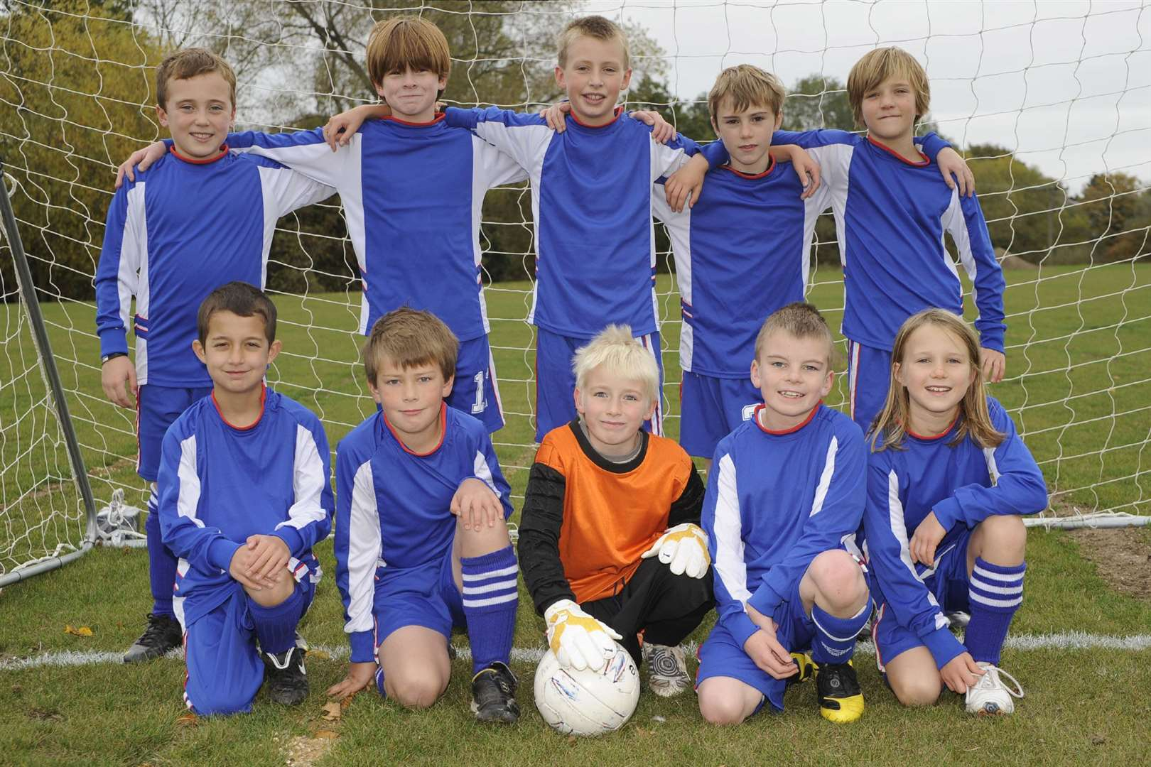 Eva Hubbard (bottom right) with the Eye Saints Under-10s