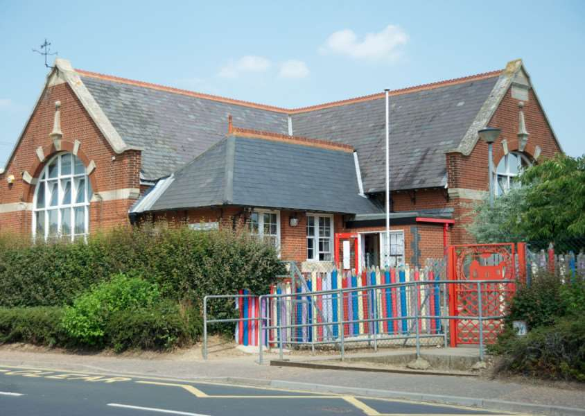 Roydon, Norfolk. Roydon Primary School ENGANL00120130717170613