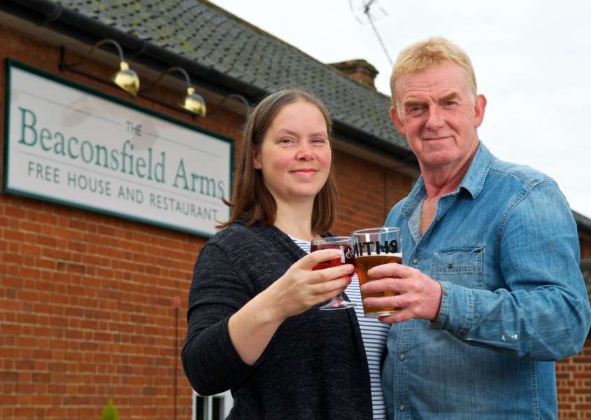 Occold, Suffolk. The Beaconsfield Arms in Occold has re-opened pictured are Leigh Linnett and Peter McSloy who are running the pub. Picture: MARK BULLIMORE