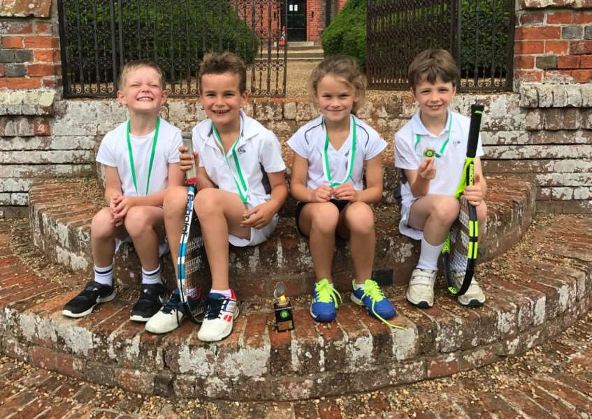 ALL SMILES: Framlingham's Under-8 Mixed team