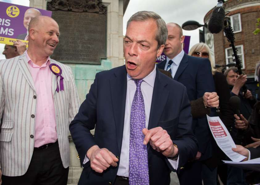 UKIP leader Nigel Farage campaigning in Aylesbury town centre PNL-150430-155536009