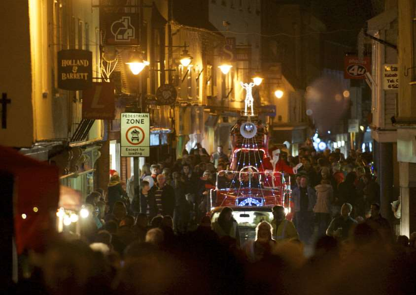 Diss, Norfolk. Diss' Christmas Lights Switch on in the Market Place - Santa arriving along Mere Street ANL-141130-210534009