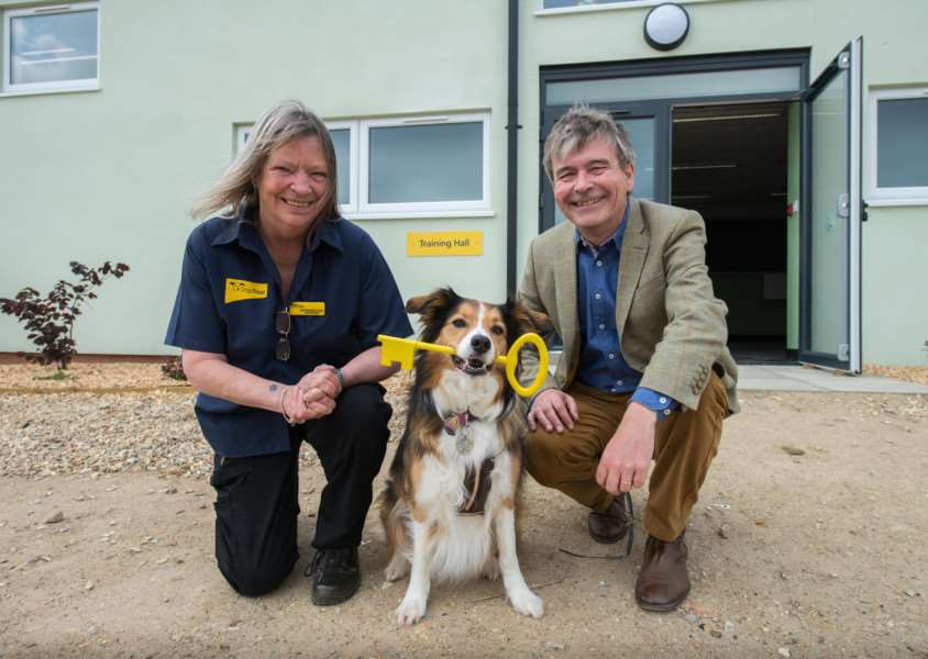 Snetterton Manager, Diane McLelland-Taylor and Dogs Trust CEO, Adrian Burder. ANL-160516-132512001