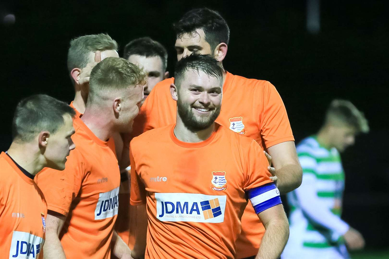DE-12-11-2019-008-GD Diss Capt Charlie Webb celebrates his goal.. (21535881)