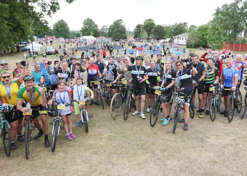 MDEP-25-06-2017-047 Diss Cyclathon 25th June 2017. Large Cyclist group shot