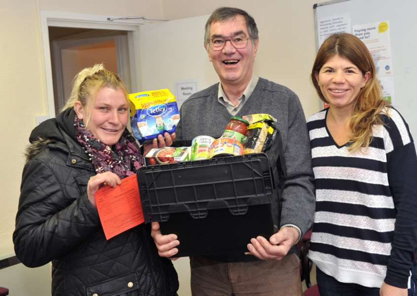 Graham Reardon of Waveney Foodbank''Pictured: Catherine Moss (Recipient), Graham Reardon and Tessa Molden (Number 7 Project Manager) ANL-150411-202545009