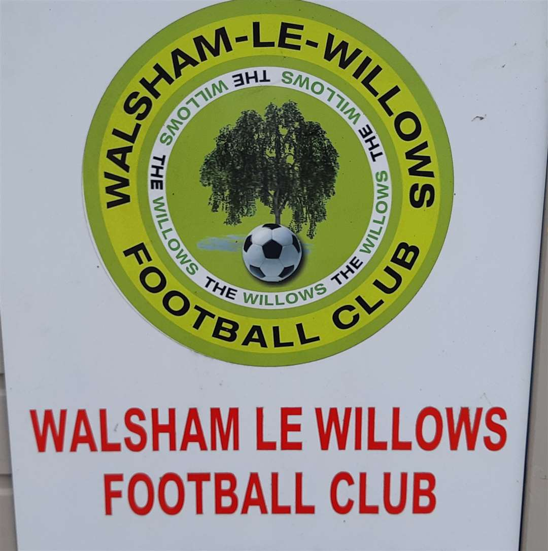 Walsham-le-Willows FC badge (39055290)