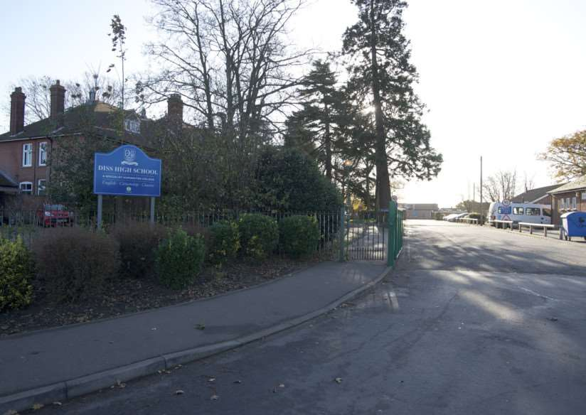 Diss, Norfolk. Diss High School Entrance and Sign ENGANL00120141202154218