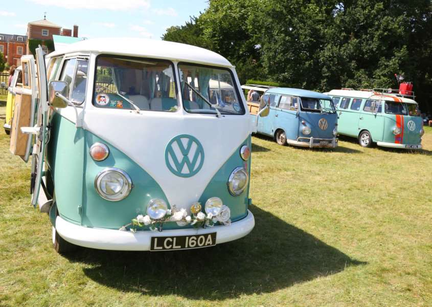 A fully restored 1963 Splitscreen camper van with other variants ANL-160808-083531005