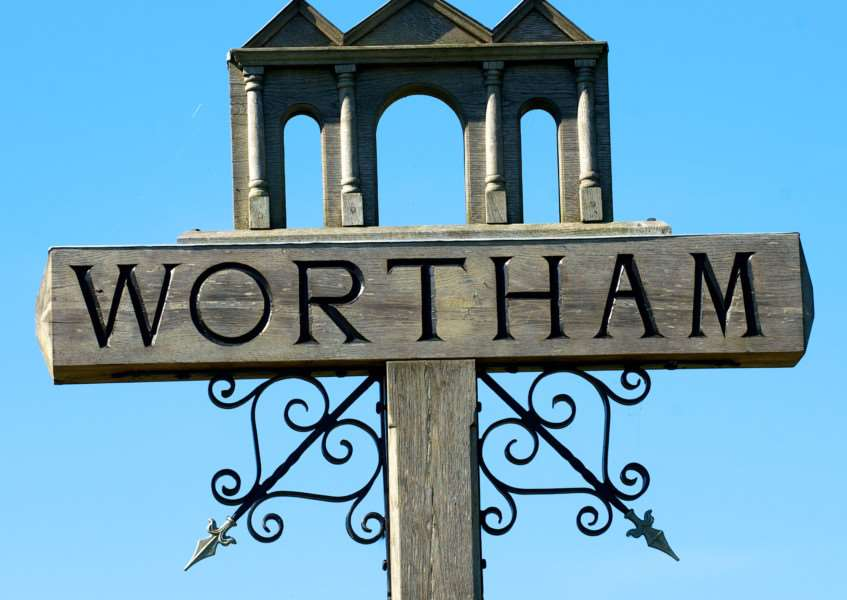 VILLAGE SIGN - WORTHAM ENGANL00120121029160507